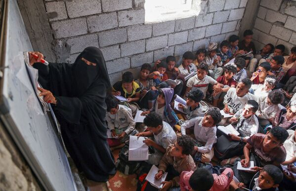 Žáci ve škole v Jemenu. - Sputnik Česká republika