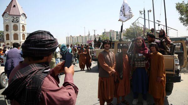 Боевики движения Талибан в Кабуле  - Sputnik Česká republika