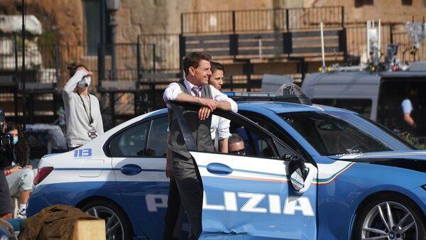Актер Том Круз и актриса Хейли Этвелл во время перерыва в съемках фильма «Миссия невыполнима 7» в Риме - Sputnik Česká republika
