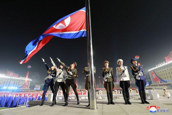 Vojenská přehlídka na počest 73. výročí založení Severní Koreje - Sputnik Česká republika