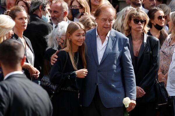 Stella Belmondo a příbuzní po obřadu - Sputnik Česká republika