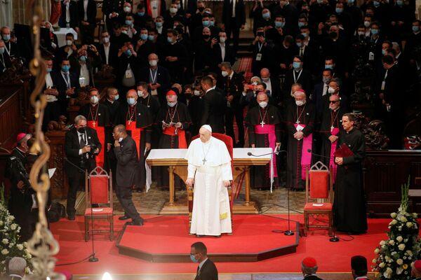 Papež František se setká se zástupci duchovenstva v katedrále svatého Martina v Bratislavě - Sputnik Česká republika