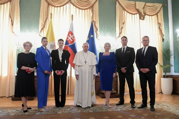 Papež František se setkal se slovenskou prezidentkou Zuzanou Čaputovou v Prezidentském paláci v Bratislavě - Sputnik Česká republika