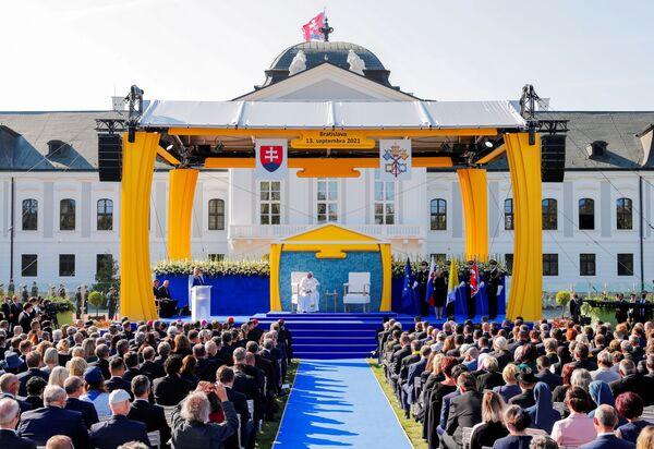 Slovenská prezidentka Zuzana Čaputová přednesla projev při setkání s papežem Františkem v prezidentském paláci v Bratislavě - Sputnik Česká republika
