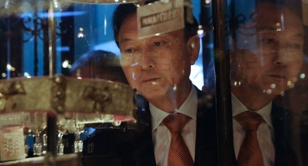 Bývalý premiér Yukio Hatoyama navštívil Krym