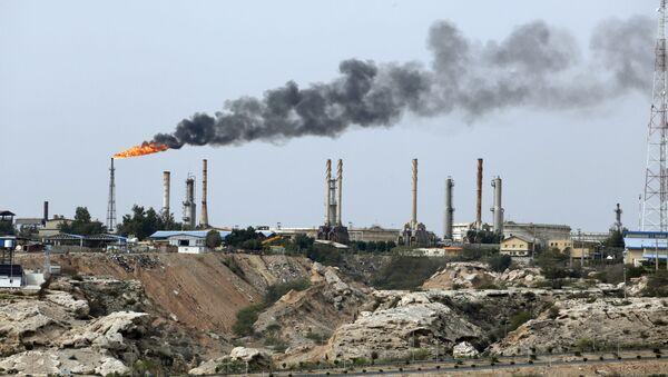 Íránský ropný průmysl - Sputnik Česká republika