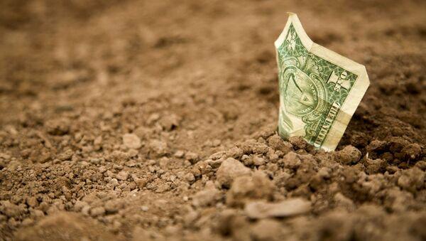 Dolar v zemině - Sputnik Česká republika