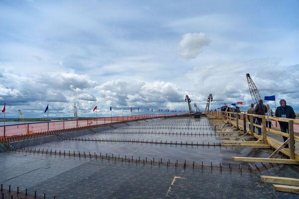 Na řece Amur proběhlo přeshraniční spojení dvou velmocí  - Sputnik Česká republika