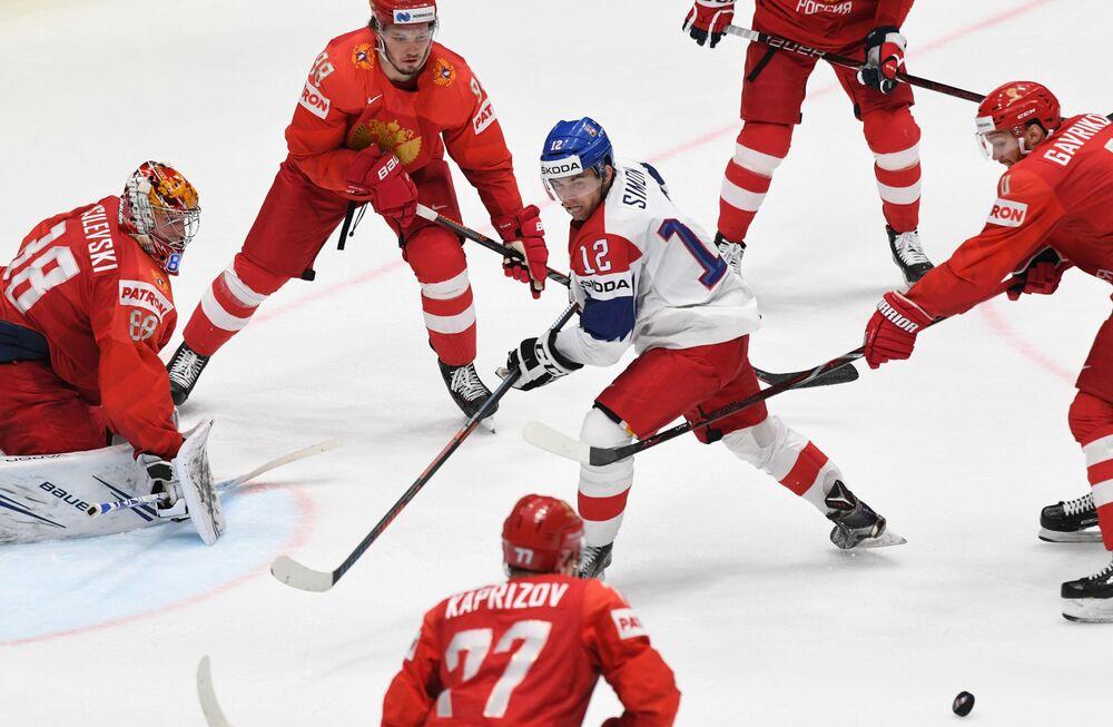 Český hokejista Dominik Simon při zápasu o třetí místo mezi Českem a Ruskem na MS 2019 v ledním hokeji na Slovensku.