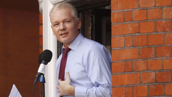 Spoluzakladatel Julian Assange v Londýně. 2012. Ilustrační foto - Sputnik Česká republika
