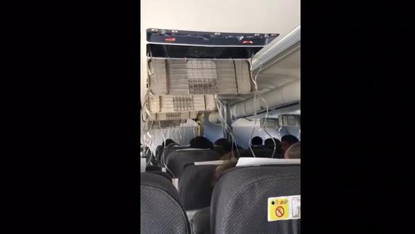 Boeing 737 mířící do Berlína nouzově přistál v Moskvě - Sputnik Česká republika