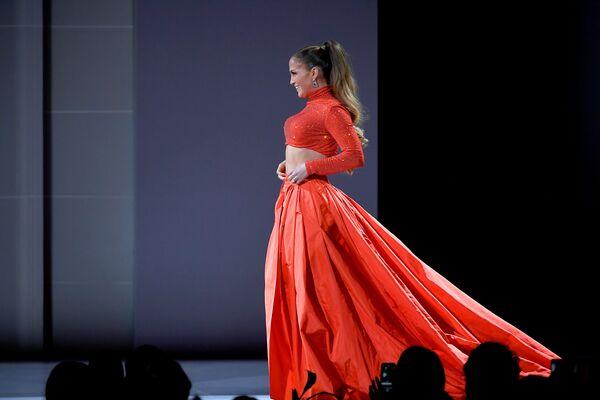 Zpěvačka a herečka Jennifer Lopez na slavnostním udělování módních cen CFDA Fashion Awards. - Sputnik Česká republika