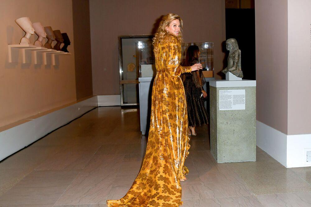 Modelka Martha Hunt na slavnostním udělování módních cen CFDA Fashion Awards.