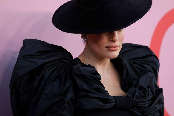 Modelka Ashley Grahamová na slavnostním udělování módních cen CFDA Fashion Awards. - Sputnik Česká republika