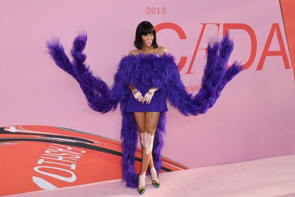 Modelka Winnie Harlow na slavnostním udělování módních cen CFDA Fashion Awards. - Sputnik Česká republika