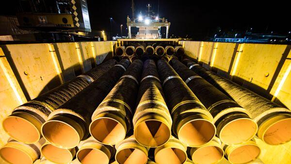 Potrubí pro Nord Stream - 2 v německém přístavu Mukran - Sputnik Česká republika