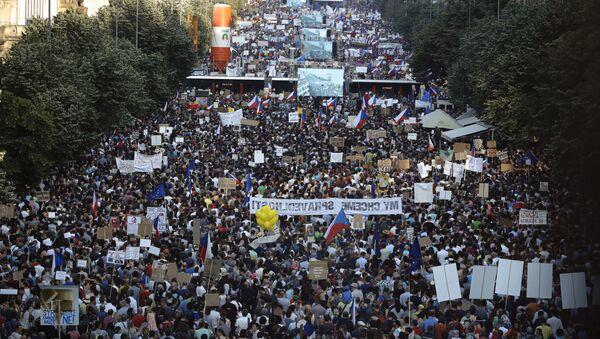 Demonstrace na Václavském náměstí v Praze. 4. června 2019 - Sputnik Česká republika