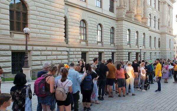 Muzejní noc, čekající návštěvníci před NM   - Sputnik Česká republika