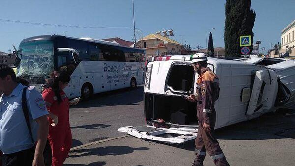 Místo nehody turistických autobusů v Soči - Sputnik Česká republika