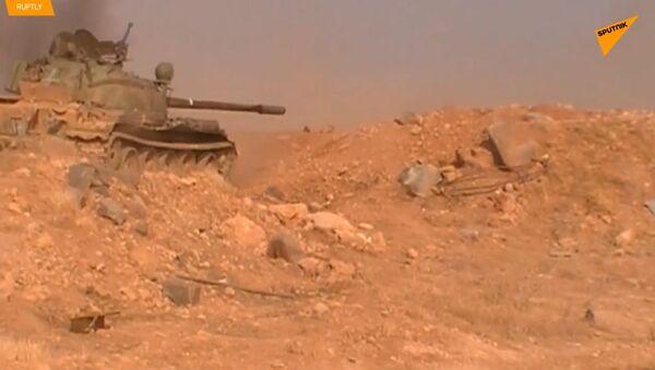 V Sýrii pokračují těžké boje poblíž města Hamá - Sputnik Česká republika