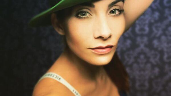 Eva Decastelo - Sputnik Česká republika