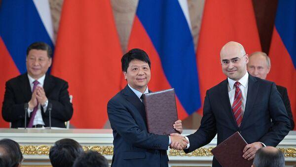 Podepsání smlouvy mezi Huawei a MTS - Sputnik Česká republika