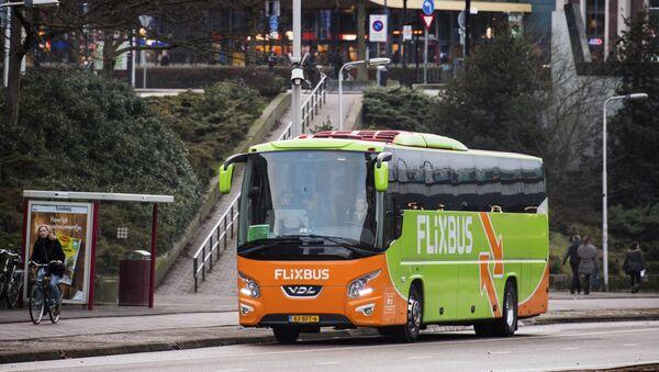 Autobus německého dopravce FlixBus. - Sputnik Česká republika