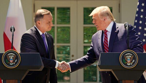Prezident Polska Andrzej Duda a prezident Spojených států Donald Trump na setkání v Bílém domě - Sputnik Česká republika