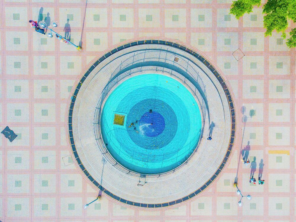 Odysea do mizících oáz: fontány v kamenných džunglích. Hoi Kin Fung (Hongkong), finalista v nominaci Má planeta, série.
