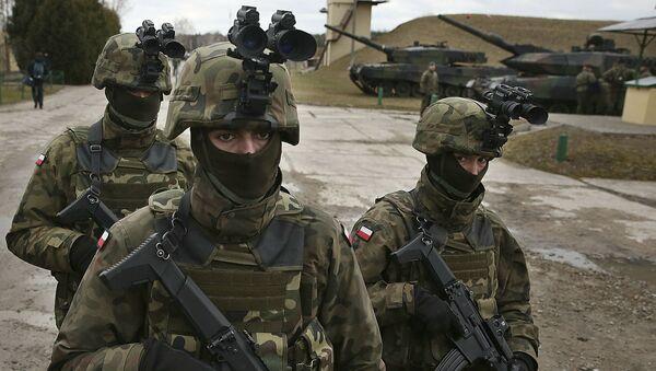 Polští vojáci během cvičení NATO - Sputnik Česká republika
