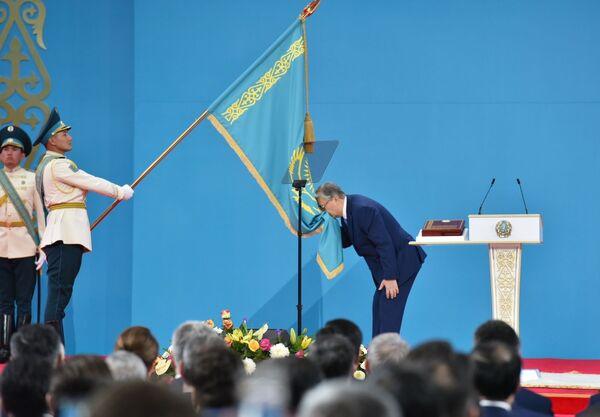 Zvolený prezident Kazachstánu Kasym-Žomart Tokajev na ceremoniálu přísahy lidu Kazachstánu během nástupu do funkce prezidenta na společné schůzi komor parlamentu Kazašské republiky. - Sputnik Česká republika