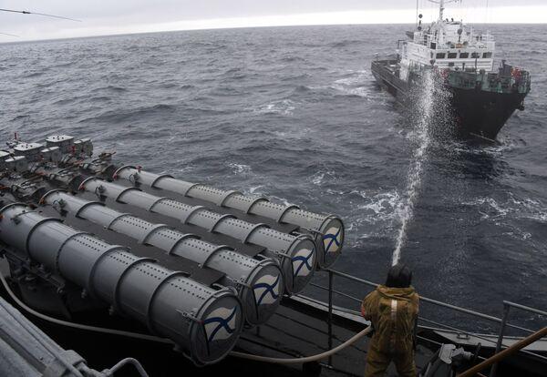 Velký hydrografický člun Bgk-2151 během pátracího a záchranného cvičení na moři Sarex 2019. - Sputnik Česká republika