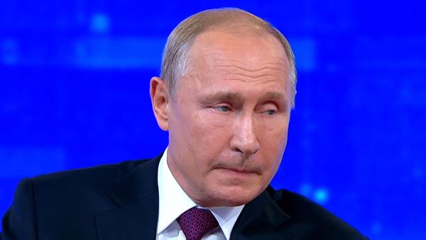 Putin odpověděl na otázku, jestli je mimozemšťan. Dodal důkazy (VIDEO)  - Sputnik Česká republika