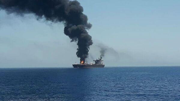 Hořící tanker v Ománském zálivu - Sputnik Česká republika