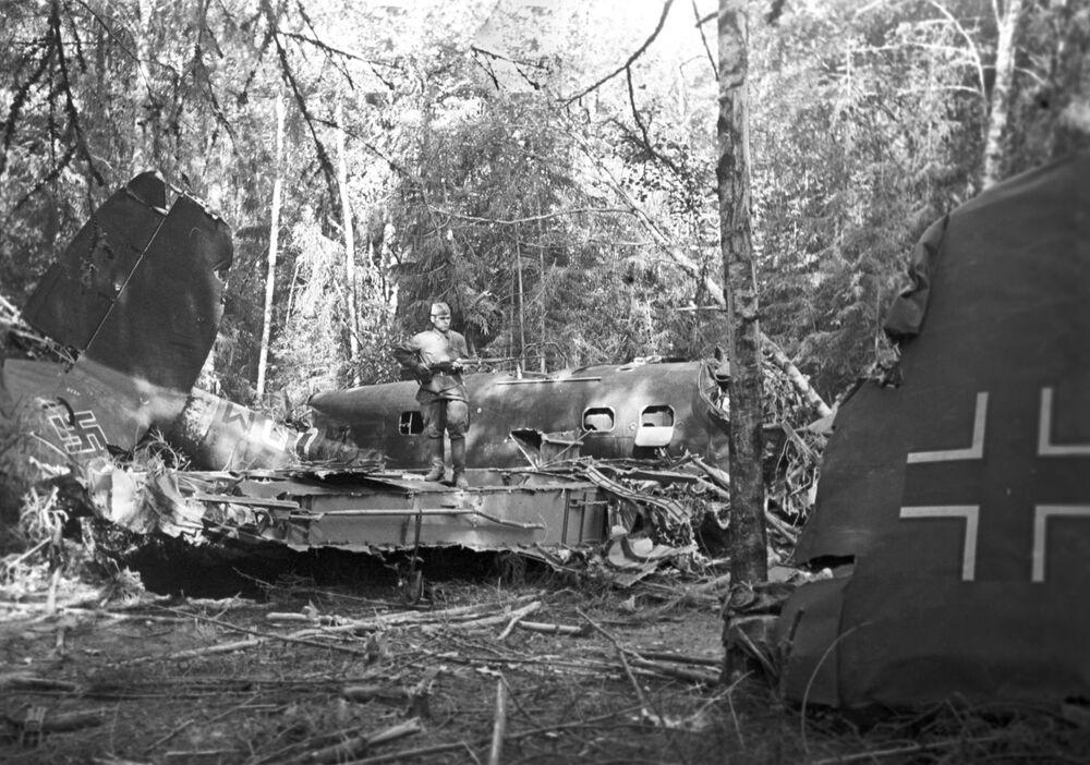 Sestřelená německá stíhačka sovětskou protivzdušnou obranou v Moskevské oblasti.