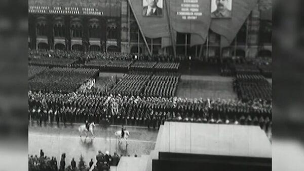 Triumf hrdinů. Dnes se v roce 1945 konala přehlídka vítězství - Sputnik Česká republika