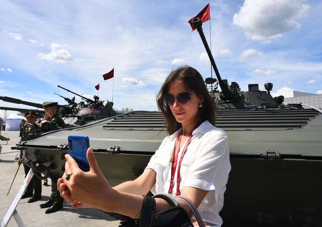 Vojensko-technické fórum Army 2019 v parku Patriot nedaleko Moskvy. Slavnostní zahájení