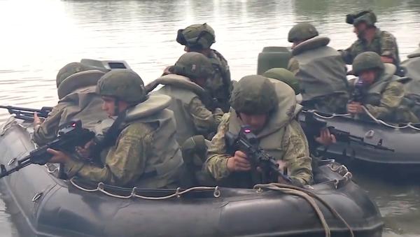 Spojení sil. V Srbsku probíhají společná vojenská cvičení Ruska, Běloruska a Srbska Slovanské bratrství 2019 (VIDEO) - Sputnik Česká republika