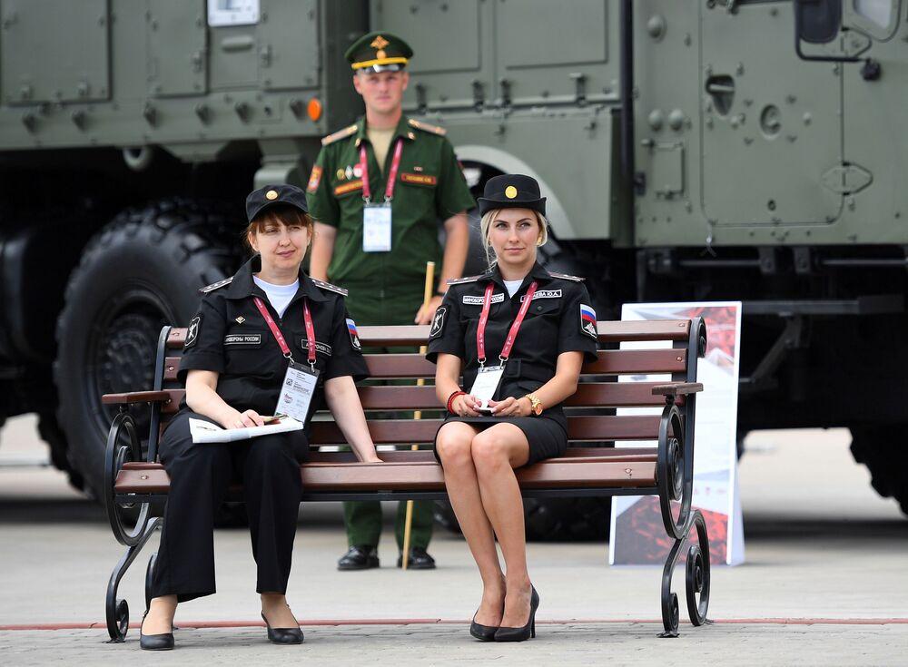Účastníci Mezinárodního vojensko-technického fóra Army 2019.