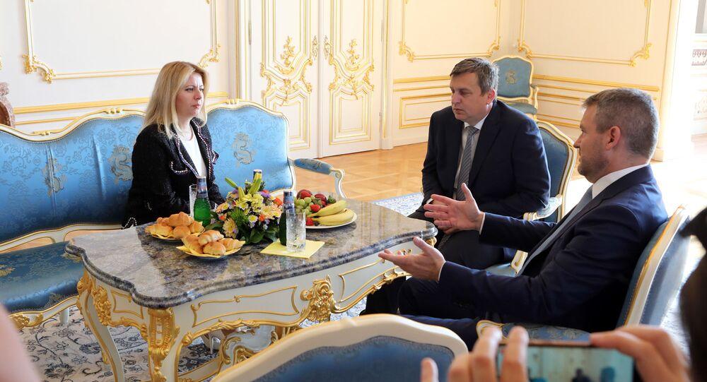 Prezidentka Slovenska Zuzana Čaputová, premiér Peter Pelligrini a předseda parlamentu Andrej Danko
