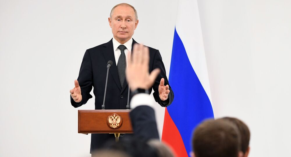 Ruský prezident Vladimir Putin na tiskové konferenci, která následovala po summitu G20 v japonské Ósace