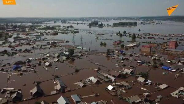 Povodně v Irkutské oblasti Ruska. 5 mrtvých, 353 zraněných - Sputnik Česká republika