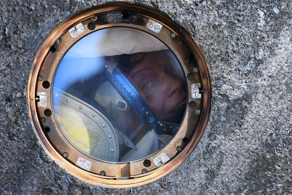 Astronautka Anne McClainová v posádce návratového modulu pilotované lodi Sojuz MS-11.