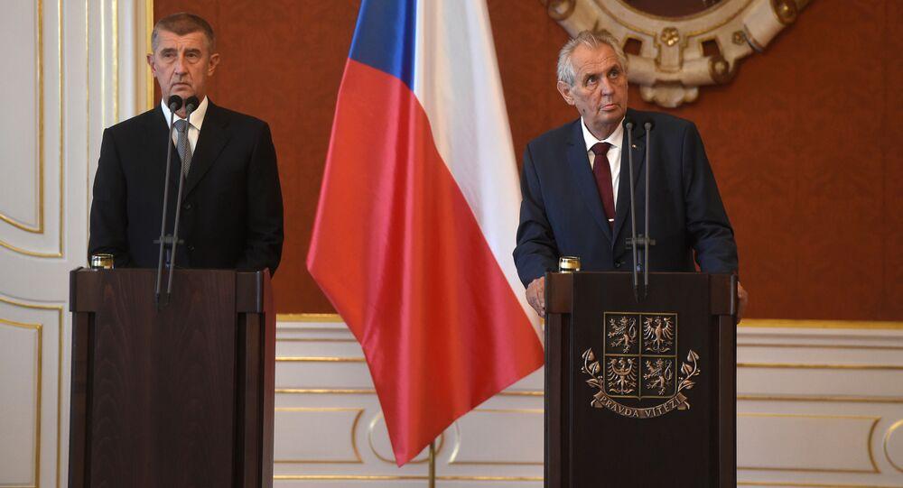 Premiér Andrej Babiš a prezident Miloš Zeman. Babiš nevyloučil pád vlády. Čím skončí vládní krize?