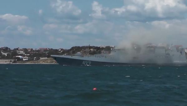 """Video: Ruské námořnictvo v Sevastopolu předvedlo """"námořní bitvu"""" s podporou vrtulníků a stíhaček - Sputnik Česká republika"""