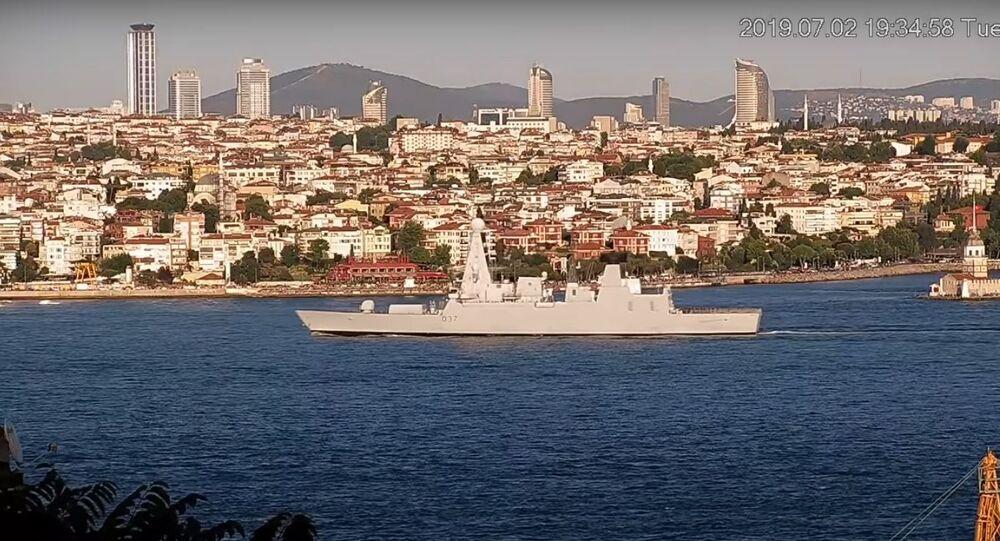Bylo zveřejněno video, jak lodě NATO vplouvají do Černého moře