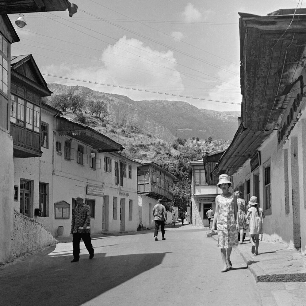 Vesnice Koreiz poblíž Jalty na Krymu. 1966.