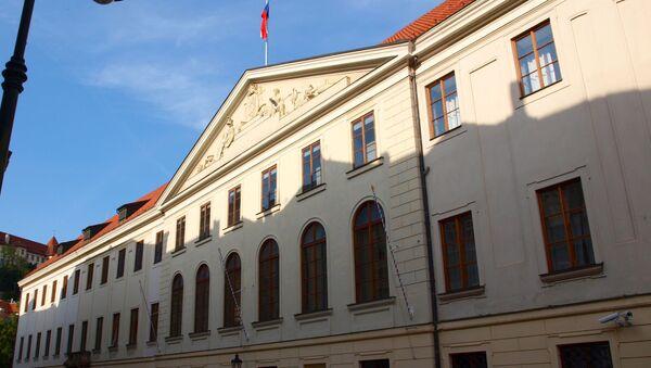 Thunovský palác ve Sněmovní ulici v Praze, sídlo Poslanecké sněmovny  - Sputnik Česká republika