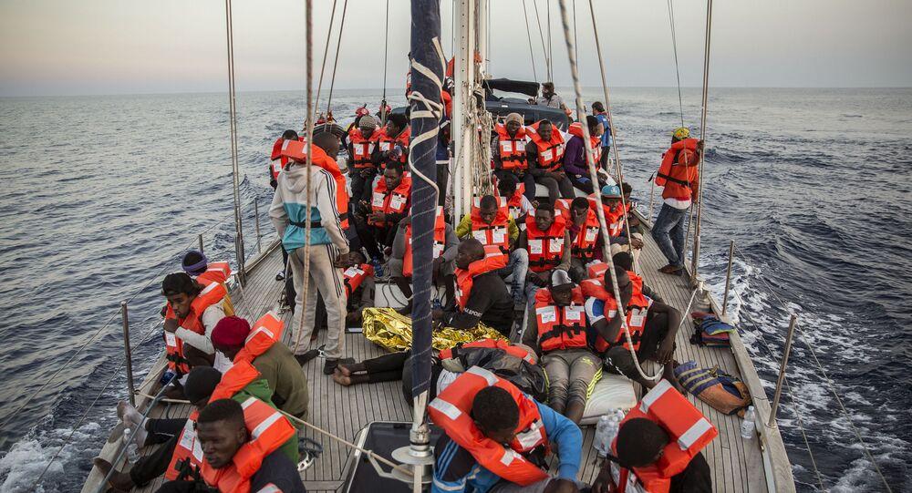 Loď Alex humanitární neziskové organizace Mediterranea Saving Humans