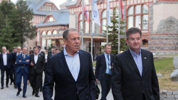 Slovenský ministr zahraničí Miroslav Lajčák (vpravo) a ruský ministr zahraničí Sergej Lavrov ve Štrbském plese - Sputnik Česká republika
